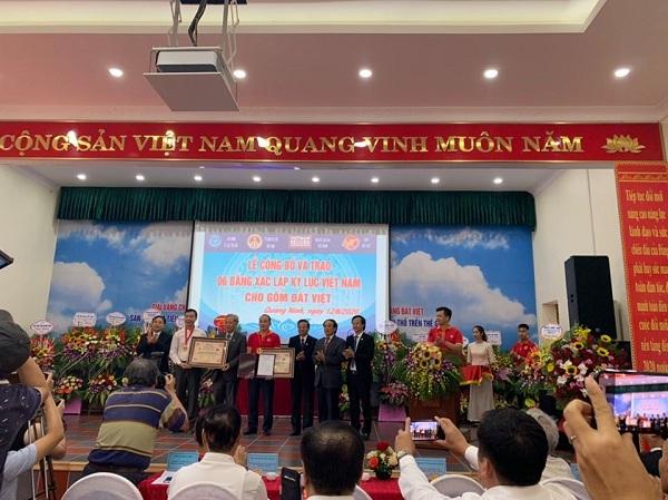 Doanh nghiệp KH&CN đầu tiên của Quảng Ninh vinh dự đón nhận Bằng xác lập kỷ lục Việt Nam